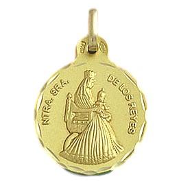 Medalla de la Virgen de los Reyes de oro de 18 quilates