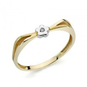 White and yellow gold ring with 1 diamond