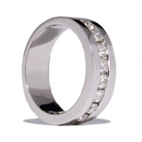 White gold wedding ring with 10 diamonds