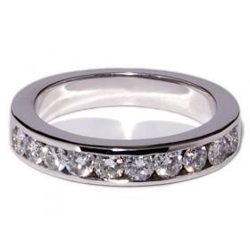 White gold wedding ring with 10 diamonds
