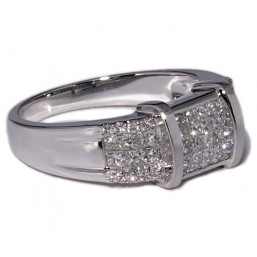 White gold ring with 53 diamonds